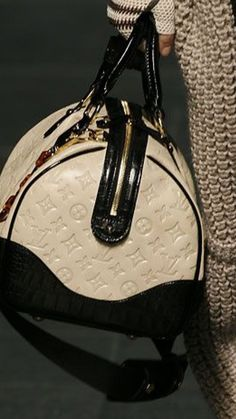 cd567d665b Black and Beige Louis Vuitton - gorgeous!