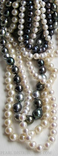 •♥•♥•♥••♥•♥•♥•black and white pearls•♥•♥•♥••♥•♥•♥•
