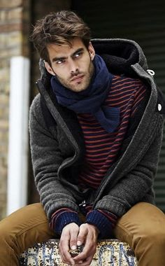 Jon Kortajarena by lessie Jon Kortajarena, Fashion Mode, Look Fashion, Mens Fashion, Fashion Menswear, Book Modelo, Stylish Men, Men Casual, Toni Mahfud