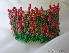 Цветочный браслет Автор - Ирина Скибан http://biser.info/albom/78040