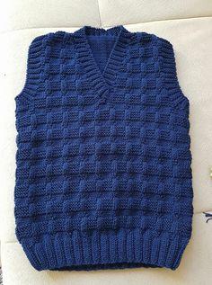 Ravelry: Argyle Vest pattern by Patons - Salvabrani Baby Boy Knitting Patterns, Baby Sweater Knitting Pattern, Knit Vest Pattern, Knitted Baby Cardigan, Baby Boy Vest, Baby Boy Sweater, Baby Sweaters, Crochet, Knitting Needles
