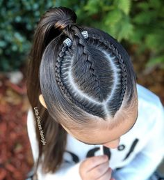 Beautiful style inspired by my talented friend Jesssica . She's super sweet person and she does the most wonderful… Long Ponytail Hairstyles, Easy Little Girl Hairstyles, Black Girl Short Hairstyles, Cute Girls Hairstyles, Princess Hairstyles, Updo Hairstyle, Prom Hairstyles, School Hairstyles, Everyday Hairstyles