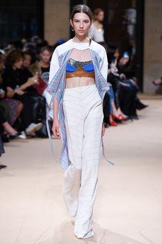 Esteban Cortazar Spring 2017 Ready-to-Wear Fashion Show - Anastasia Chekry