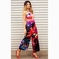 Um 'jumpsuit' que toda a mulher estilosa deve ter no closet!#reginasalomao #SummerVibesRS #SS17 #momentoRS