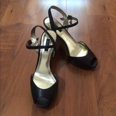 Daisy Fuentes, Brown leather wedges Daisy Fuentes brown leather wedges with gold inner lining. Worn couple of times. Very comfortable to wear. There is a slight, unnoticeable scratch on the right shoe, as shown on the picture. Daisy Fuentes Shoes Wedges