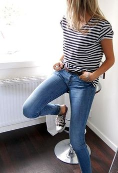 street style - skinny jeans, striped shirt, all star