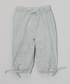 Soft, woven organic cotton teams up with an elastic waistband to create these delightfully soft pants. Whether worn while relaxing or scampering about, this pair is ready to keep little legs perfectly cozy and totally stylish.100% organic cottonMachine washImported
