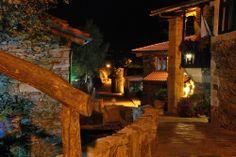 Foto nocturna de la Aldea Rural Couso Galán. Ourense #Galicia #cousogalan
