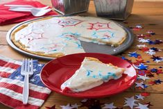 Make a delicious sugar cookie pizza with this simple recipe, easy enough for kids to help. Perfect for the Fourth of July or Memorial Day. Don't forget to scroll down to the end of the post to see a video of how it's done! Sugar Cookies From Scratch, Cookie Recipes From Scratch, Easy Cookie Recipes, Dessert Recipes, Lemon Cookies, Cake Mix Cookies, Peanut Butter Cookies, Chocolate Chip Cookies, Sugar Cookie Pizza
