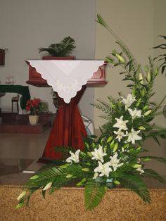 Pin by Patti Christmas on Palm sunday Tropical Floral Arrangements, Large Flower Arrangements, Ikebana Arrangements, Church Wedding Flowers, Altar Flowers, Funeral Flowers, Lace Flowers, Church Altar Decorations, Flower Decorations
