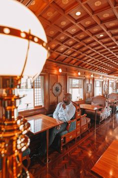 Seven Stars In Kyushu – One Of The Most Luxurious Train Journeys In The World - Travel Inspiration By Train, Train Car, Train Travel, Travel Usa, Kyushu, Wakayama, Pullman Car, Japan Train, Trains