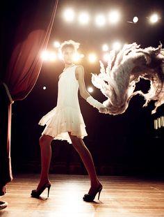 Cute dress, feather boa!