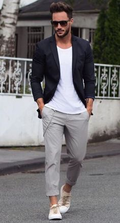 How to Wear a Black Blazer For Men looks & outfits) Fashion Mode, Look Fashion, Fashion Trends, Fashion Menswear, Fashion Ideas, Fashion 2016, Fashion Black, Fashion Fashion, Vintage Fashion