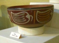 Nasca, Un plato de cerámica Nazca con un                             diseño de verduras similar a pimiento