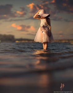 Pink by Jake Olson Studios Photography Little Girl Photography, Cute Kids Photography, Outdoor Photography, Creative Photography, Photography Poses, Cute Baby Girl, Cute Babies, Little Girl Photos, Skier