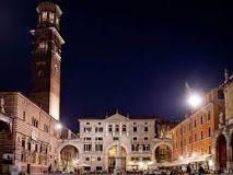 Piazza dei Signori  To learn more about #Verona click here:             http://www.greatwinecapitals.com/capitals/verona