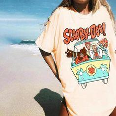 Casual T Shirts, Cool T Shirts, Tee Shirts, Printed Sweatshirts, Printed Tees, Cute Letters, Oversized Shirt, Shirt Style, Shirt Designs