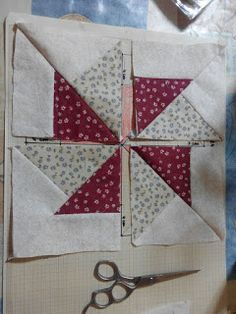 Pin on como hacer pach Quilting Tutorials, Quilting Projects, Sewing Projects, Star Quilt Patterns, Pattern Blocks, Patch Quilt, Quilt Blocks, Half Square Triangle Quilts Pattern, Diy Pillow Covers