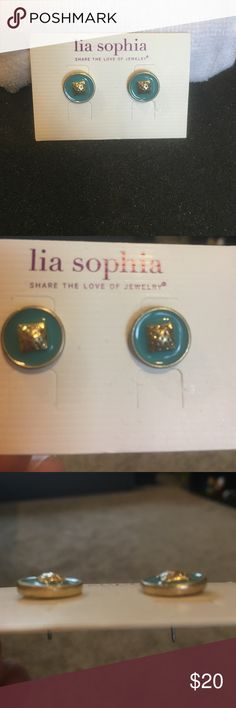 Lia Sophia gold & turquoise stud earrings Unique gold and turquoise stud earrings.  They are a modest, yet exciting piece of jewelry! Lia Sophia Jewelry Earrings