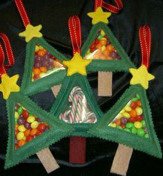 Christmas Tree Candy Cuties In the Hoop Machine Embroidery Design....  Our simple yet sweet Christmas Tree Candy Cuties turn out beautifully every time! Fill with treats for a sweet Christmas time gift.     CRAFT FAIR ALERT!! The simplicity of this design and zero thread changes make this a great design to sell at Craft Fairs this holiday!   4x4 Hoop: 5X7..  From - PicklePieDesigns.
