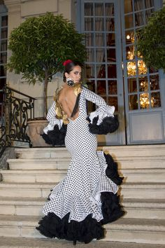 Wappíssima - Presentación We Love Flamenco 2017 — in Madrid, Spain. Flamenco Costume, Flamenco Dancers, Flamenco Dresses, Spanish Dress, Spanish Style, Met Gala Outfits, Spanish Woman, Ballroom Dress, Feminine Dress