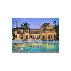 Miami Beach vacation villa rental: Villazzo VillaHotel Contenta -... ❤ liked on Polyvore featuring houses, home, places, pictures and rooms