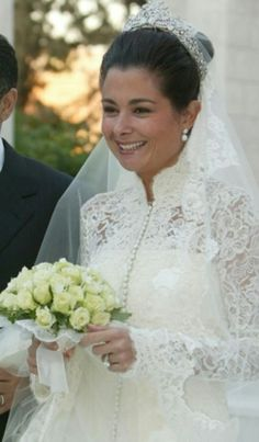 knowingtheroyals:  Princess Fahdah of Jordan on her wedding day, Apri 14, 2006; she maried Prince Hashim of Jordan, younger son of the late King Hussein and Queen Noor of Jordan