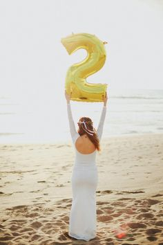 Bali Maternity photos of Natalie from Cakes and Champagne   Terralogical Photography   100 Layer Cakelet