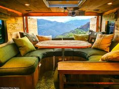 Former surveyor Guy Williams spends converting a wrecked horse box into a plush 'log cabin van' Converted Horse Trailer, Converted Vans, Horse Box Conversion, Camper Conversion, Motorhome Conversions, Build A Camper Van, Create Your House, Box Trailer, Horse Trailers