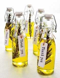 Olive Oil wedding favors. Better to do it yourself or buy those favors? Read about it: http://www.hansonellis.com/blog/wedding-favors-buy-or-diy