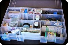 Container idea for first aid kit with natural remedies Diy First Aid Kit, Camping First Aid Kit, Natural Medicine, Herbal Medicine, 72 Hour Kits, Camping Essentials, Camping Gear, Doterra Oils, Just In Case