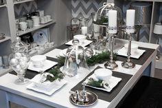Decor Interior Design, Interior Decorating, Dining Room Table Decor, Christmas Interiors, Silver Christmas, Table Settings, Table Decorations, Inspiration, Home Decor