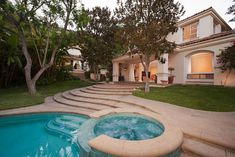 Sharon Stone's Beverly Hills Mansion - Luxatic
