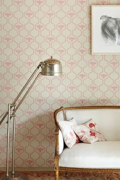 Barneby Gates Honey Bee wallpaper in rose pink is printed using a traditional surface printed technique for a hand stamped finish.  Perfect for girls whatever their age!