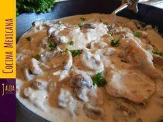 Pollo en Crema de Champiñones. Pollo en Crema de Champiñones de Jauja Cocina Mexicana. Milanesas de pechuga de pollo jugosas y suavecitas, cocinadas a la perfección en crema de champiñones. Ingredientes, técnicas paso-a-paso y secretos para cocinar Pollo en Crema de Champiñones. Muy fácil de preparar, y delicioso. Una receta favorita de Jauja Cocina Mexicana en comidas y cenas con la familia. Buen provecho.    Mil gracias por suscribirse https://www.youtube.com/user/JaujaCocinaMexicana