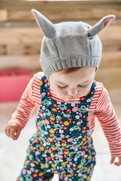 Practical and sweet, our dungarees will keep your little one snug and cosy. Adjustable straps and button fastenings make nappy and post-spill changes quick and easy. They're also perfect for little crawlers thanks to their hard-wearing yet supersoft jersey fabric.