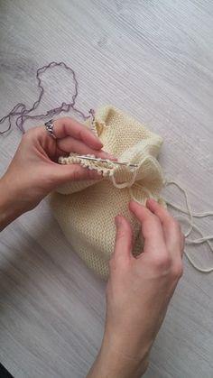 С началом нового осенне-зимнего сезона каждый раз возникает вопрос, какими шапками побаловать своих близких??? В этом году я остановила сво... Knitted Hats, Knitwear, Knit Crochet, Burlap, Reusable Tote Bags, Knitting, Blog, Yarns, Accessories