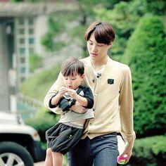 Adorable Asher with Daddy Kai or Kai hyung? - Latest K-pop News - K-pop News Kyungsoo, Kaisoo, Chanyeol, Exo Ot12, Maria Jose, Jo Eun Hee, Ricky Kim, Tae Oh, Asian Babies