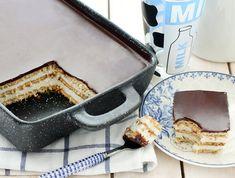 עוגת ביסקוויטים קלאסית (צילום: ענבל לביא, אוכל טוב) Israeli Desserts, French Toast, Breakfast, Food, Morning Coffee, Essen, Meals, Yemek, Eten