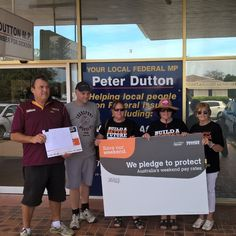 Taking the  pledge to Minister Dutton asking him to protect our weekends. #saveourweekend #buildabetterfuture