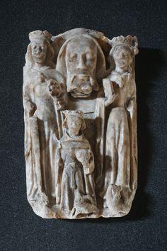 Tête de saint Jean-Baptiste entourée par des saints, albâtre, Abbeville, Musée Boucher-de-Perthes