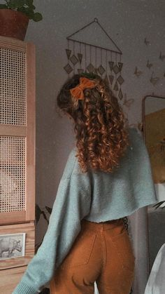 70s Inspired Fashion, 70s Fashion, Fashion Beauty, Vintage Fashion, Fashion Outfits, Retro Outfits, Trendy Outfits, Fall Outfits, Aesthetic Hair