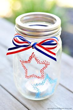 Patriotic Mason Jar Lanterns for the 4th of july