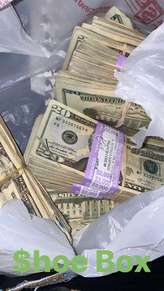 Money On My Mind, Make Money Today, Make Easy Money, Millionaire Lifestyle, Luxury Lifestyle, Bugatti, Rolls Royce, Finance, Easy Money Online