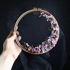 Olga Prinku diy floral wreath weaves