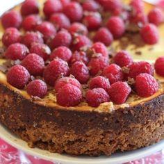 Cheesecake with raspberries anche chocolate (in Italian