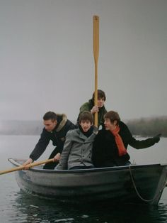 The Arctic Monkeys, about to drown Alex Turner, Arctic Monkeys Wallpaper, Monkey Wallpaper, I Hate Boys, Monkey 3, Cool Fire, The Last Shadow Puppets, Psychedelic Rock, British Rock