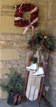 Farmhouse Style Christmas Front Porches Decor and Design Ideas - christmas home ideas Christmas Sled, Christmas Wreaths, Antique Christmas, Primitive Christmas, Father Christmas, Christmas Porch Ideas, Christmas Sleighs, Woodland Christmas, Elegant Christmas