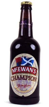 Cerveja McEwan's No.1 Champion, estilo Scottish, produzida por The Caledonian Brewery, Escócia. 7.3% ABV de álcool.