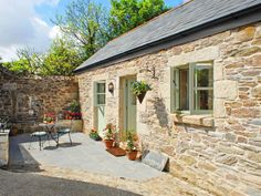 Barn Conversion Exterior, Barn House Conversion, Luxury Holiday Cottages, Cottage Renovation, Barn Renovation, Irish Cottage, Cottage Exterior, Stone Houses, Stone Cottages